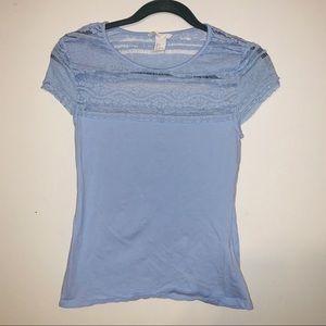 🌺H&M short sleeve T-shirt.